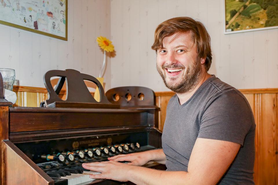 Tomas Takolander är sommarens kapellmästare på Lurens